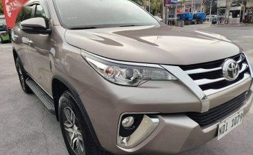 Selling Silver Toyota Fortuner 2019 in Manila