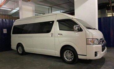 Selling Pearl White Toyota Hiace Super Grandia 2018 in Malabon