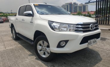 Selling White Toyota Hilux 2017 in Pasig