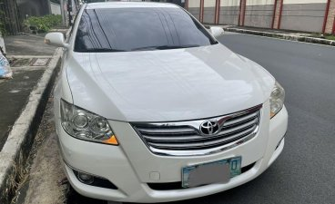 Pearl White Toyota Camry 2008 for sale in Quezon