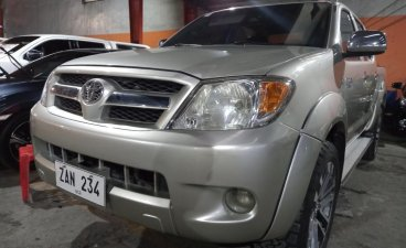 Selling Brightsilver Toyota Hilux 2009 in San Mateo