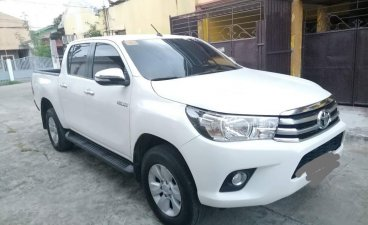 Selling White Toyota Hilux 2017 in Batangas