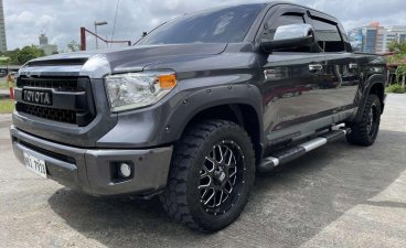 Selling Toyota Tundra 2017 in Pasig
