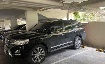 Sell 2018 Toyota Land Cruiser in Makati