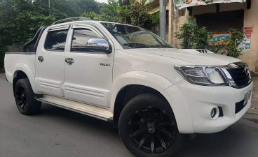 Sell White 2015 Toyota Hilux in Quezon City
