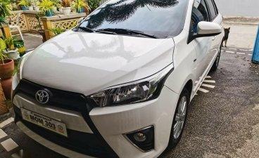 Selling White Toyota Yaris 2017