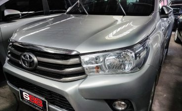 Silver Toyota Hilux 2018 for sale in Automatic