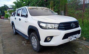 White Toyota Hilux 2017 for sale in Angeles