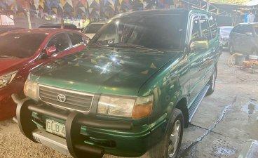 Green Toyota Revo 2001 for sale in Manual