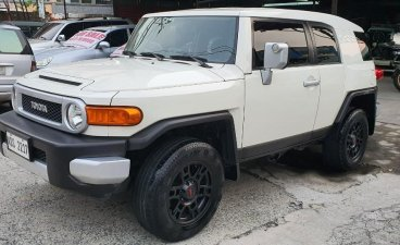 Sell White 2016 Toyota Fj Cruiser in San Juan