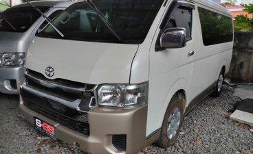 Selling White Toyota Grandia 2019 in Quezon City