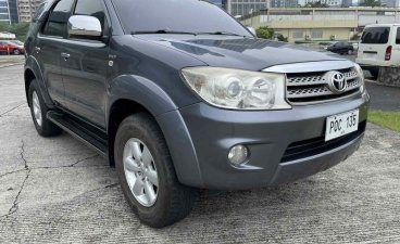 Sell Grey 2011 Toyota Fortuner in Pasig