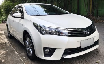 Selling Pearl White Toyota Altis 2021 in Quezon City