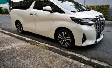Pearl White Toyota Alphard 2019 for sale in Mandaluyong