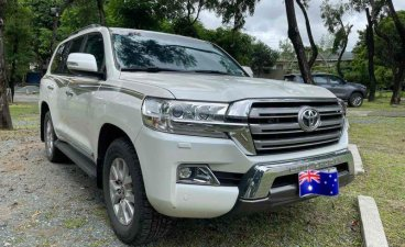 Sell Pearl White 2016 Toyota Land Cruiser in Quezon City