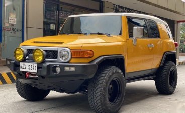Yellow Toyota Fj Cruiser 2016 for sale in Automatic