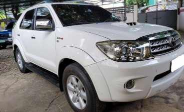 Selling White Toyota Fortuner 2009 in Manila