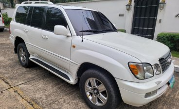 White Toyota Land Cruiser 2006 for sale in Manila