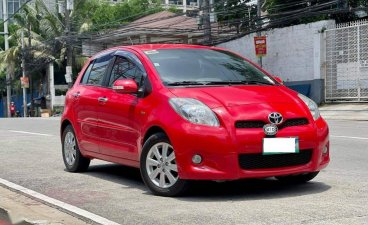 Red Toyota Yaris 2013 for sale in Automatic