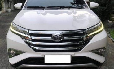 White Toyota Rush 2018 for sale in Automatic
