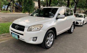 Sell White 2010 Toyota Rav4 in Pasig