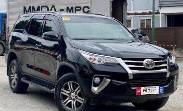 Selling Black Toyota Fortuner 2020 in Makati