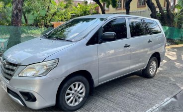 Pearl White Toyota Innova 2016 for sale in Las Piñas