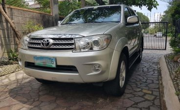 Selling Silver Toyota Fortuner 2011 in Quezon