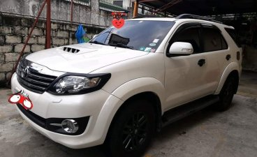 Pearl White Toyota Fortuner 2015 for sale in Paranaque
