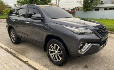 Selling Grey Toyota Fortuner 2018 in Imus