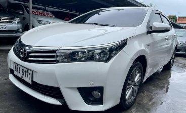 Sell White 2015 Toyota Corolla in Las Piñas