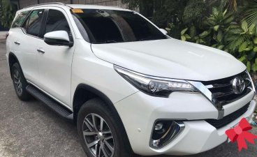 Selling White Toyota Fortuner 2019 in Manila