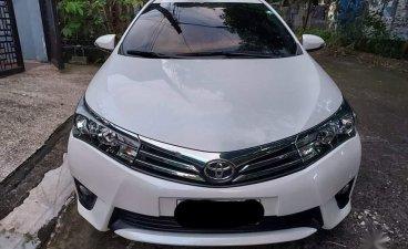 White Toyota Corolla Altis 2015 for sale in Makati