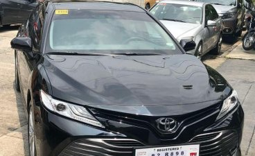 Selling Black Toyota Camry 2019 in Makati