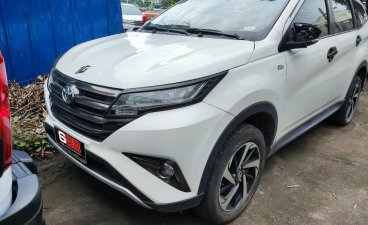 White Toyota Rush 2020 for sale in Automatic