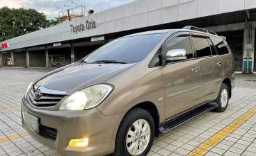 Selling Grey Toyota Innova 2010 in Manila
