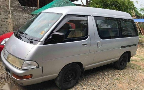 Toyota Town ace Hi ace Automatic 2004 FOR SALE