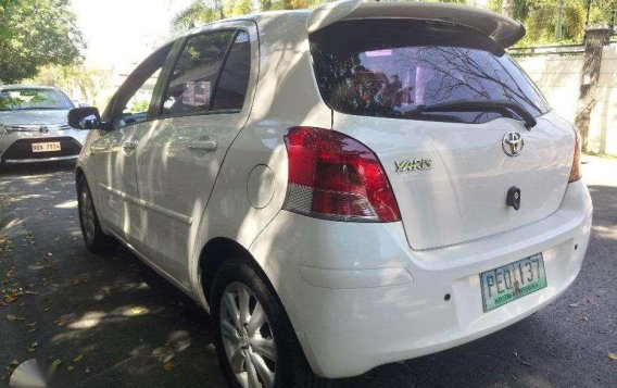 Toyota Yaris 2010 1st Owned Automatic transmission-3