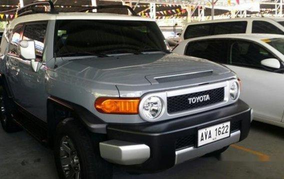 Toyota FJ Cruiser 2015 AT for sale -2