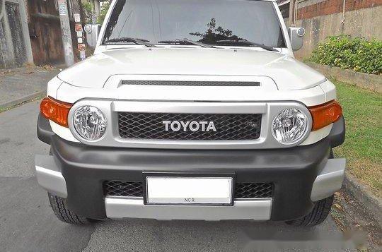Selling Toyota Fj Cruiser 2015 Automatic Gasoline