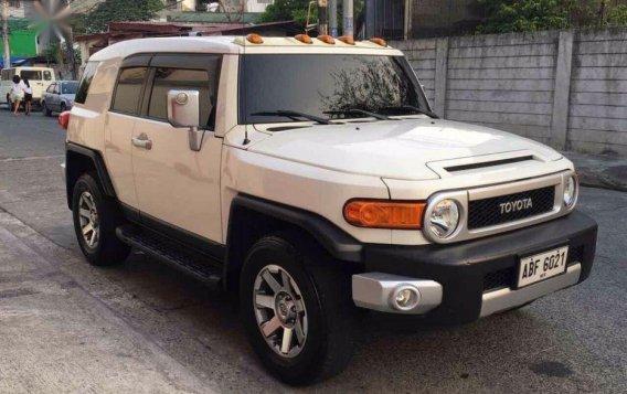 Selling Toyota Fj Cruiser 2015 Automatic Gasoline in Quezon City