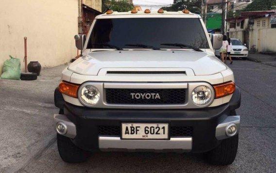 Selling Toyota Fj Cruiser 2015 Automatic Gasoline in Quezon City-1