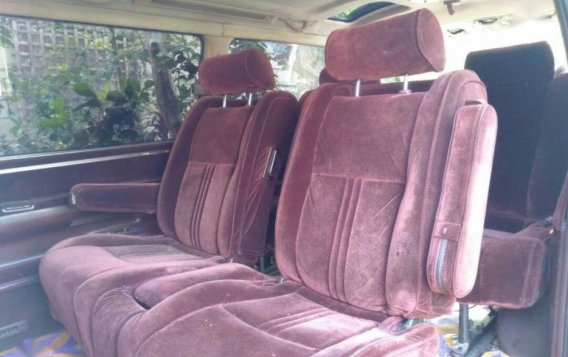 Selling 2004 Toyota Hiace Van for sale in Roxas-4
