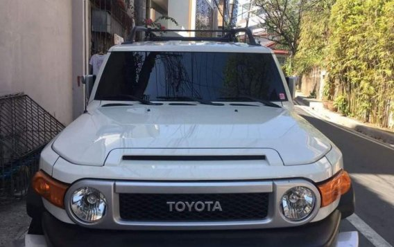 For sale 2015 Toyota Fj Cruiser Automatic Gasoline at 20000 km in Pasig-2