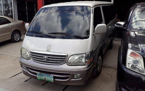 Selling Silver Toyota Hiace 2004 at 273282 km for sale-2