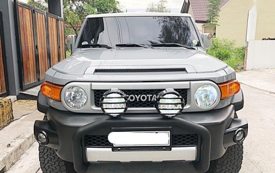2nd Hand Toyota Fj Cruiser 2015 at 30000 km for sale