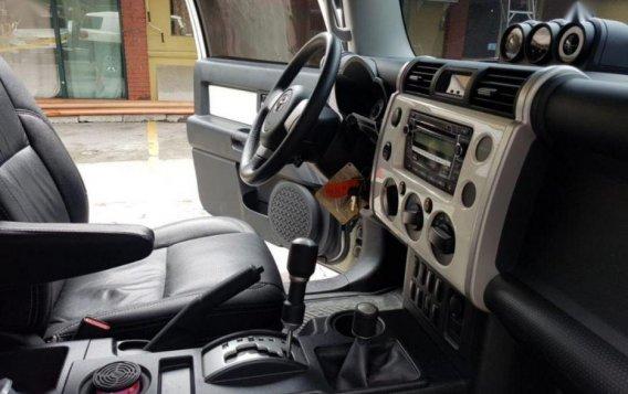 Selling 2nd Hand Toyota Fj Cruiser 2015 in Taguig-7