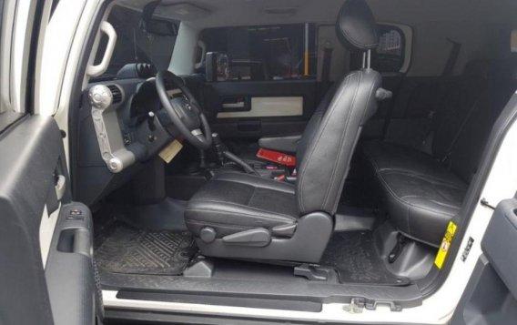 Selling 2nd Hand Toyota Fj Cruiser 2015 in Taguig-6