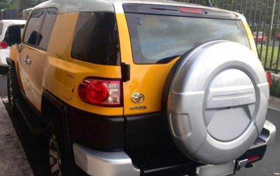 Selling 2nd Hand Toyota Fj Cruiser 2015 at 14000 km in Pasig-1