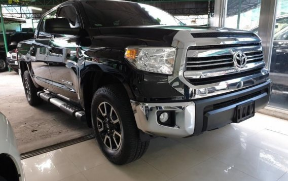 Selling Toyota Tundra 2019 in Quezon City-1
